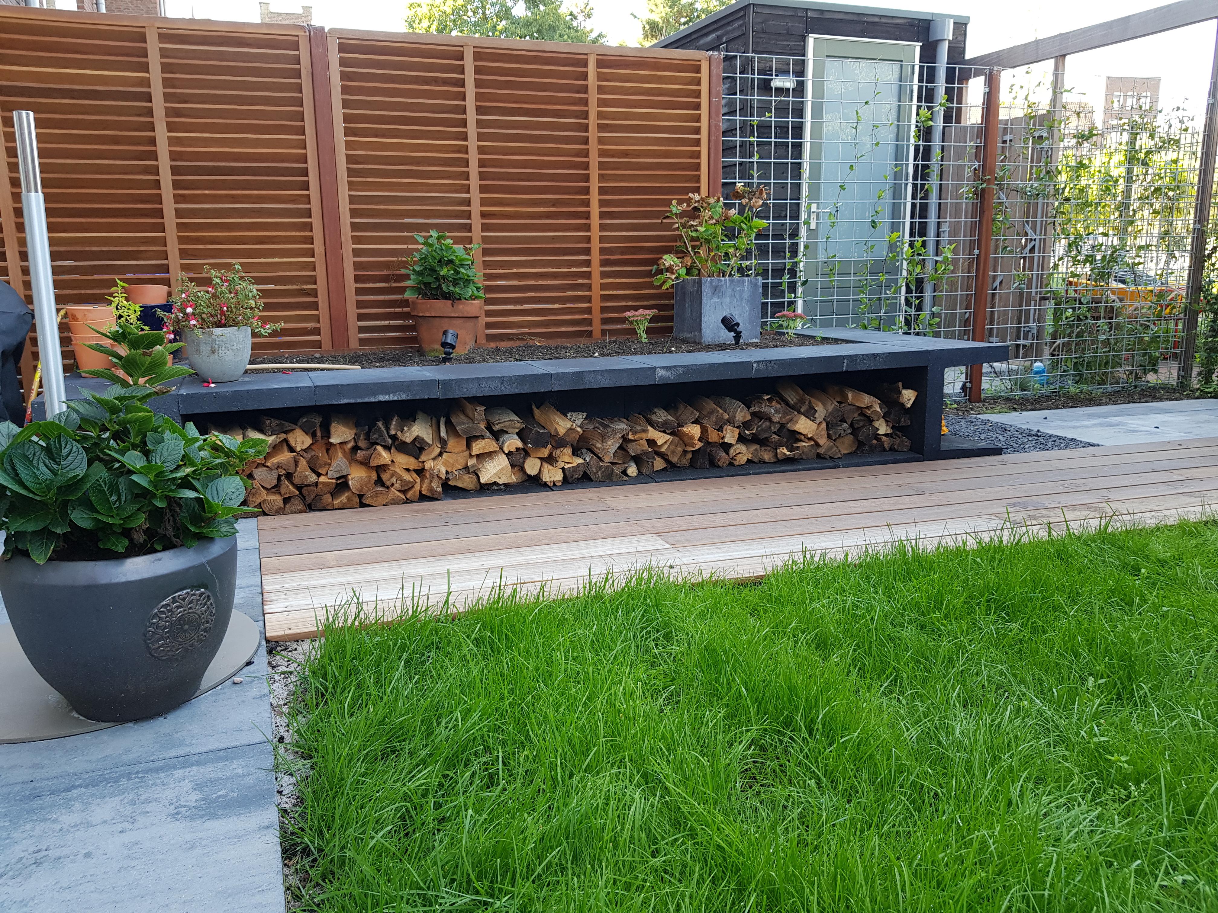Lamel tuinscherm en haardhout Kralingen